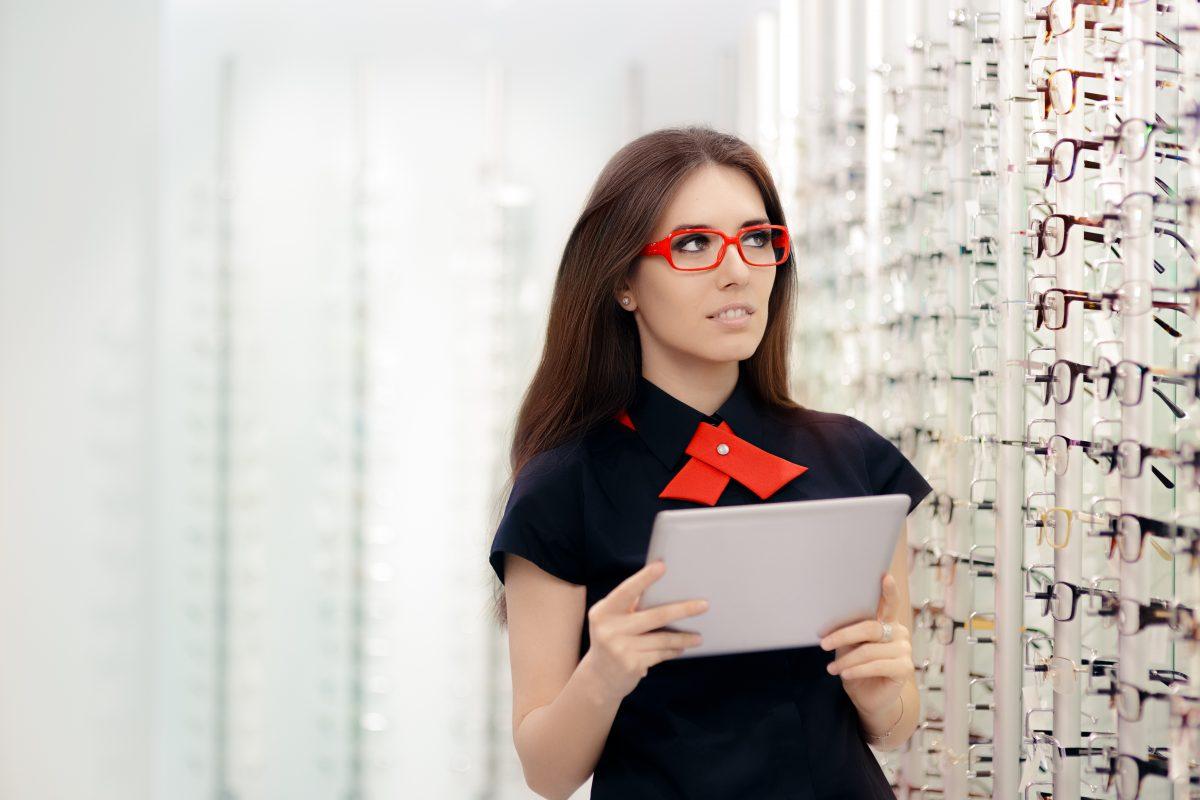 La nouvelle expérience digitale d'aide à la vente chez Leclerc Optique